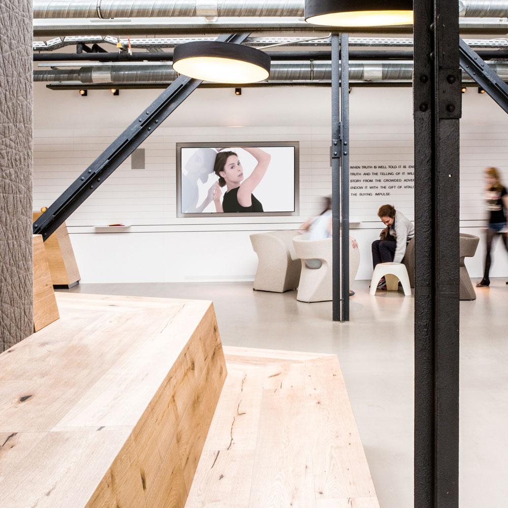 Office vo McCann in Berlin - Tünnissen Interiors, Messen, Events und Ausstellungen NRW Deutschland Europe