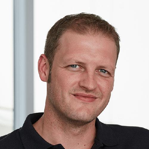 Portrait vom Leiter der Arbeitsvorbereitung bei Tünnissen Kranenburg NRW Deutschland Europe
