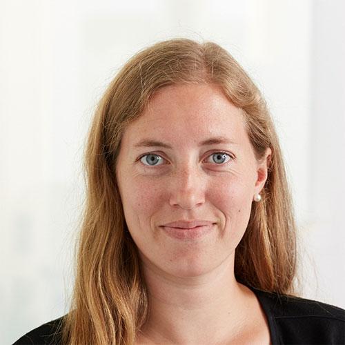 Portrait von der Mitarbeiterin in der Verwaltung bei Tünnissen Kranenburg NRW Deutschland Europe