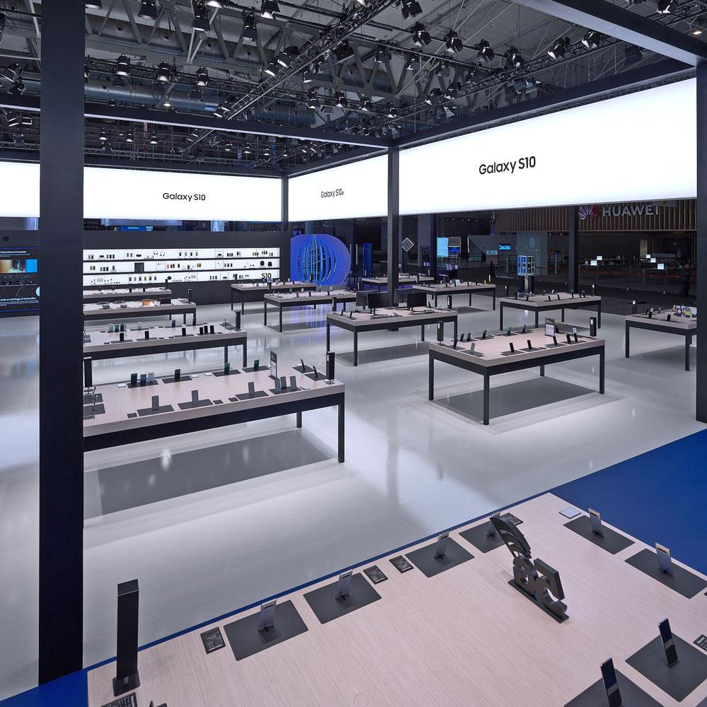 Messestand von Samsung auf der MWC Messe 2019 in Barcelona - Tünnissen Interiors, Messen, Events und Ausstellungen NRW Deutschland Europe