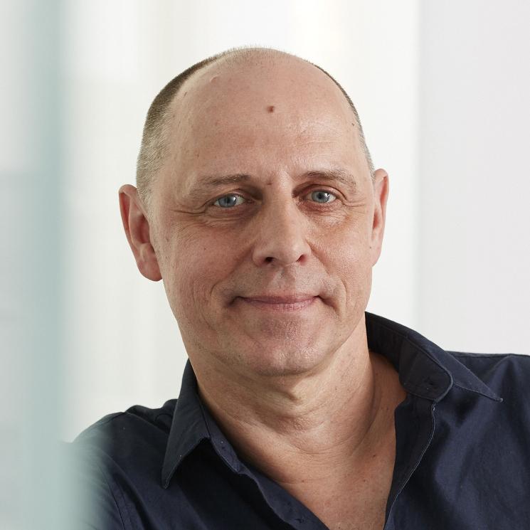 Portrait vom Mitarbeiter im Vertrieb bei Tünnissen Kranenburg NRW Deutschland Europe